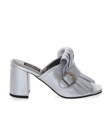papuci-argintii-piele-toc-patrat-1