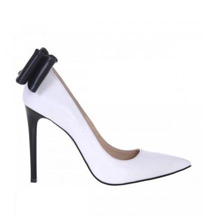 Pantofi stiletto albi funda neagra