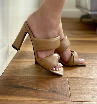 Sandale nude inchis din piele naturala cu toc inalt