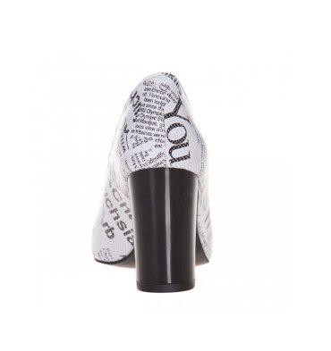 Pantofi toc gros din piele cu imprimeu ziar