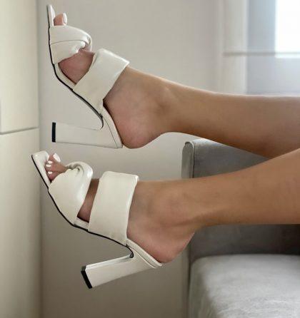 Sandale albe din piele naturala cu toc inalt