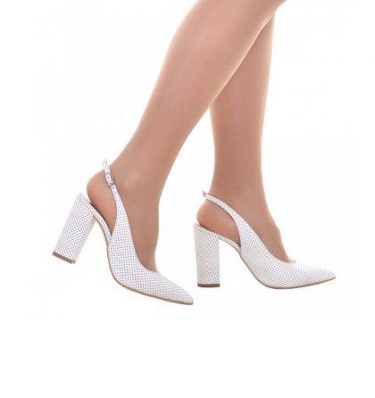 Pantofi decupati cu toc gros din piele perforata alba