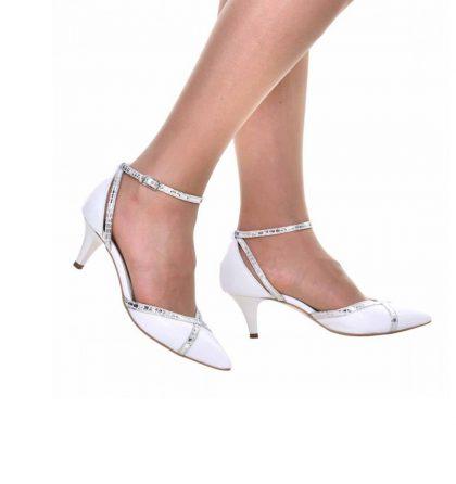 Pantofi mireasa din piele alba cu toc jos
